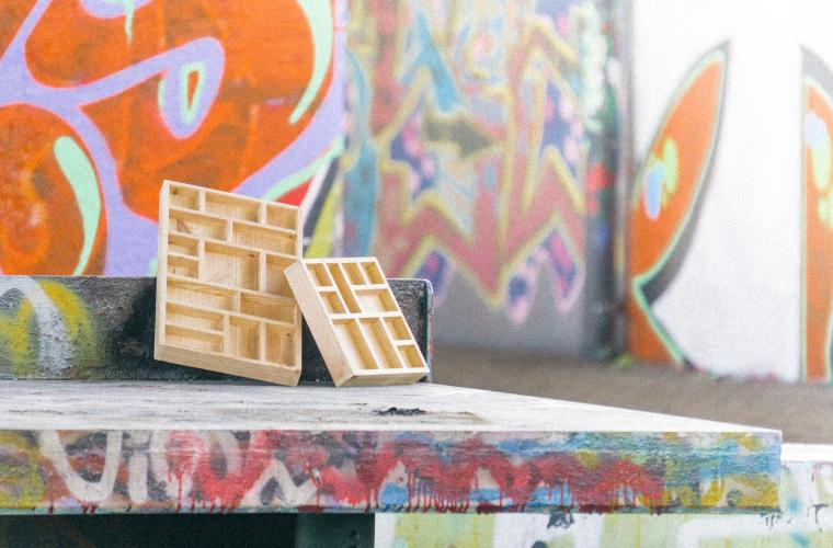 HOUT rescues wood that people throw away on the street and transforms it into objects and furniture for your home